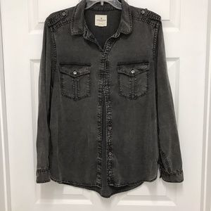AEO Boyfriend Fit Chambray Button Front Shirt